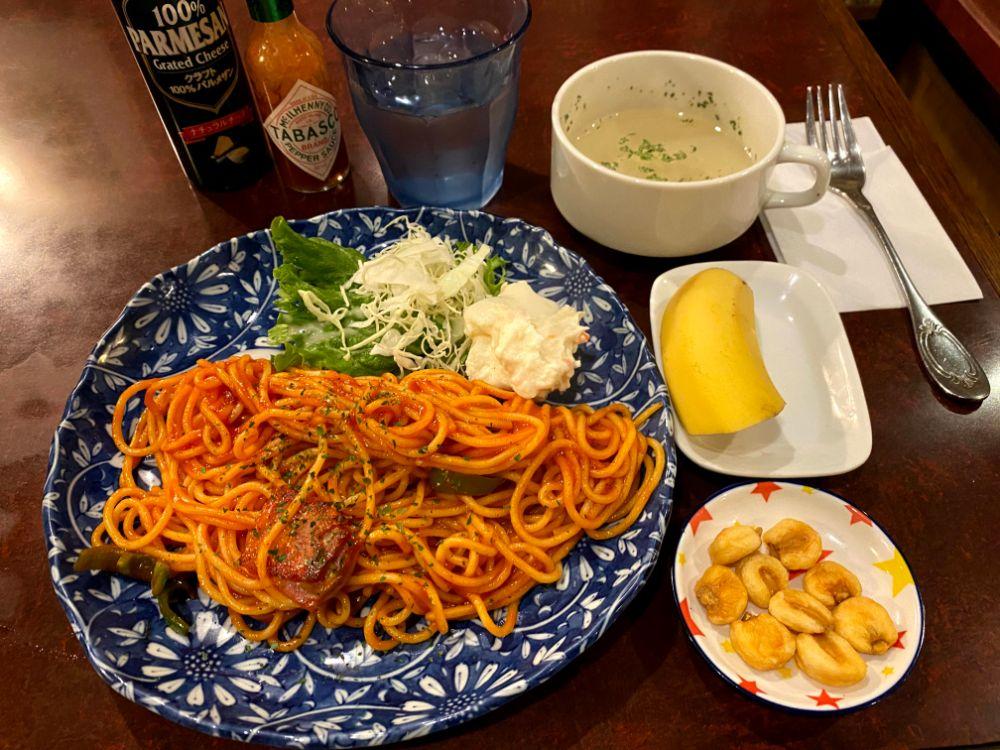 カフェアルル料理のナポリタン