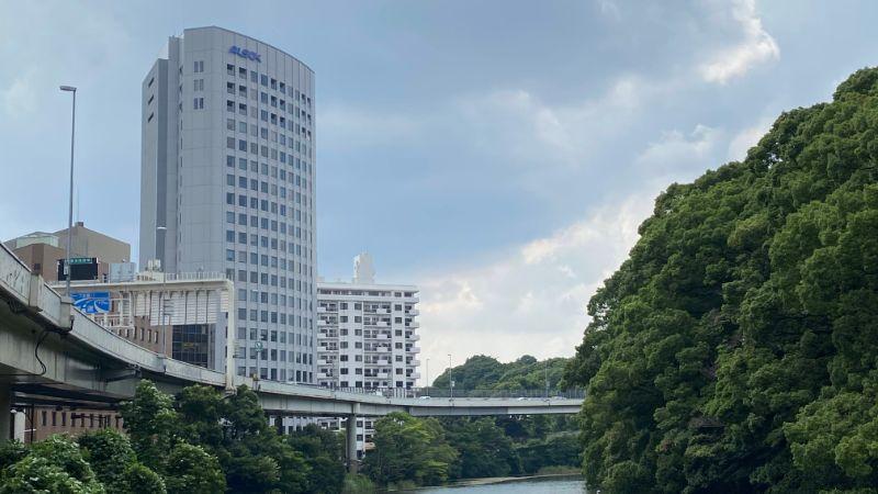 HOOTERS赤坂店はALSOK本社と同じく赤坂見附近くにあるよ!