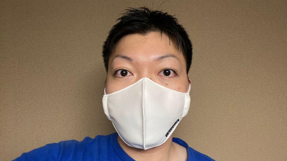 マスク着用を正面から撮影